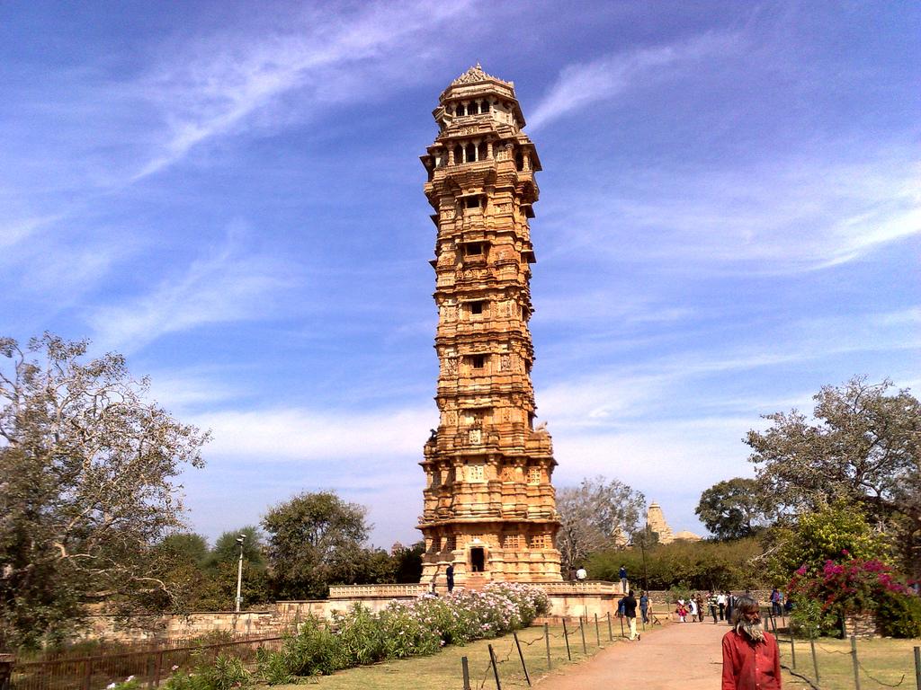 essay on victory tower chittorgarh