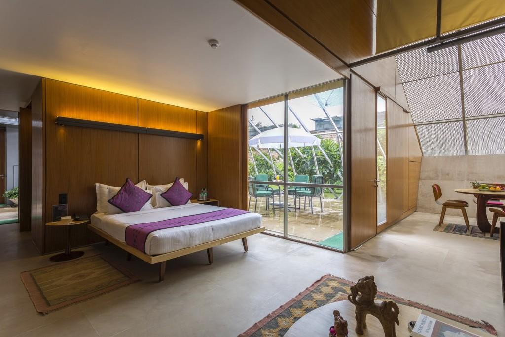 Luxurious rooms & villas