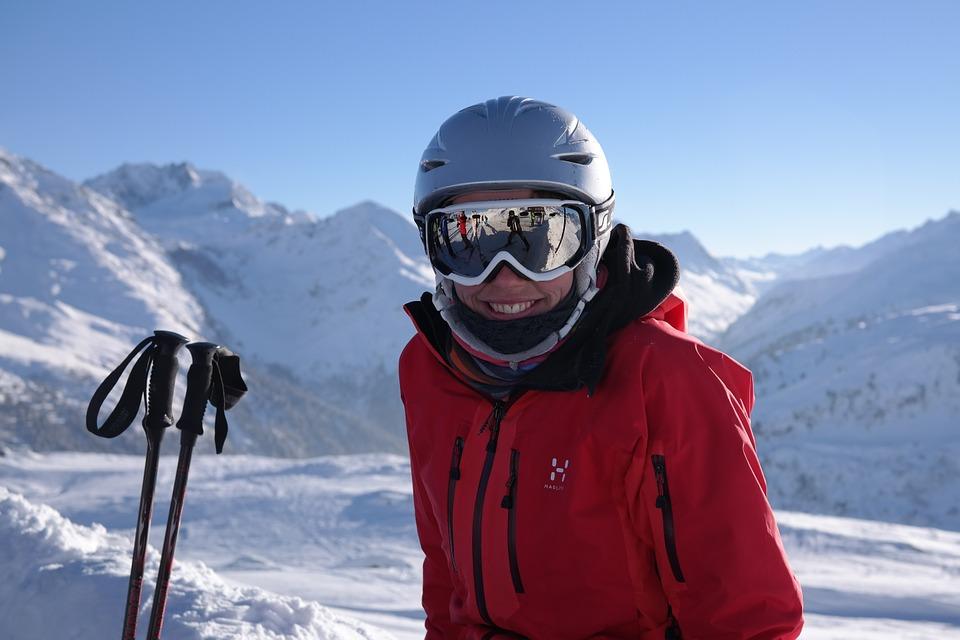 skier-999279_960_720