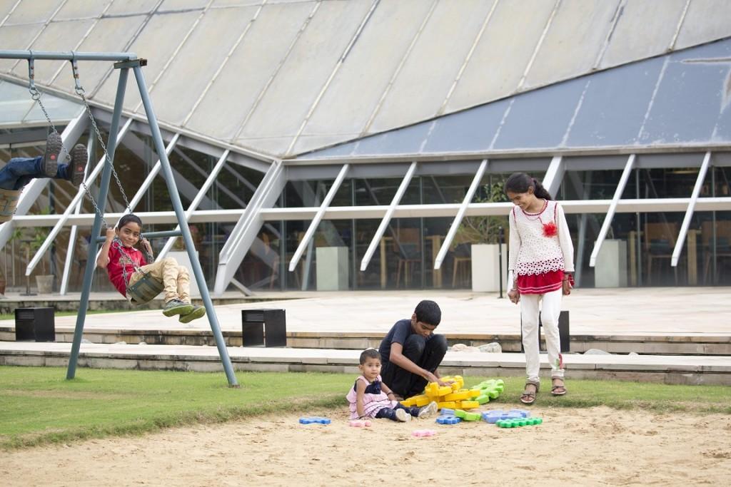 Children's games & activities